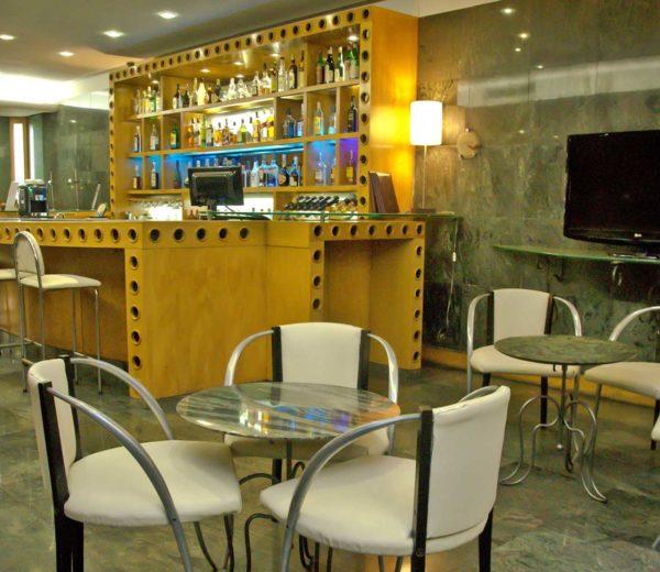 south_america_hotel_bar1